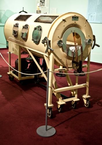 Emerson Iron Lung at the Mütter Museum